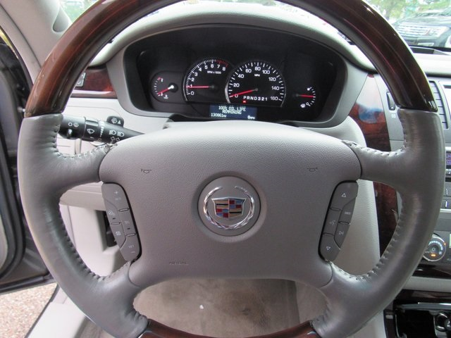 Pre-Owned 2008 Cadillac DTS Base