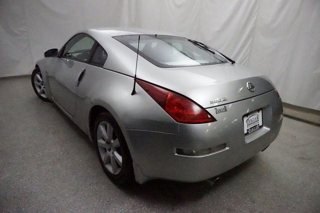 Pre-Owned 2004 Nissan 350Z Enthusiast