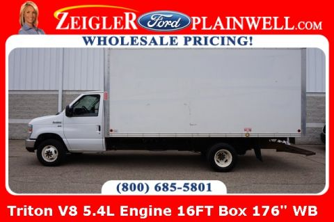 Pre-Owned 2016 Ford E-450SD Base